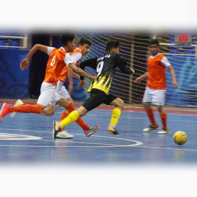 روز جمعه فینال توی ورزشگاه پیروزی اصفهان پویا18