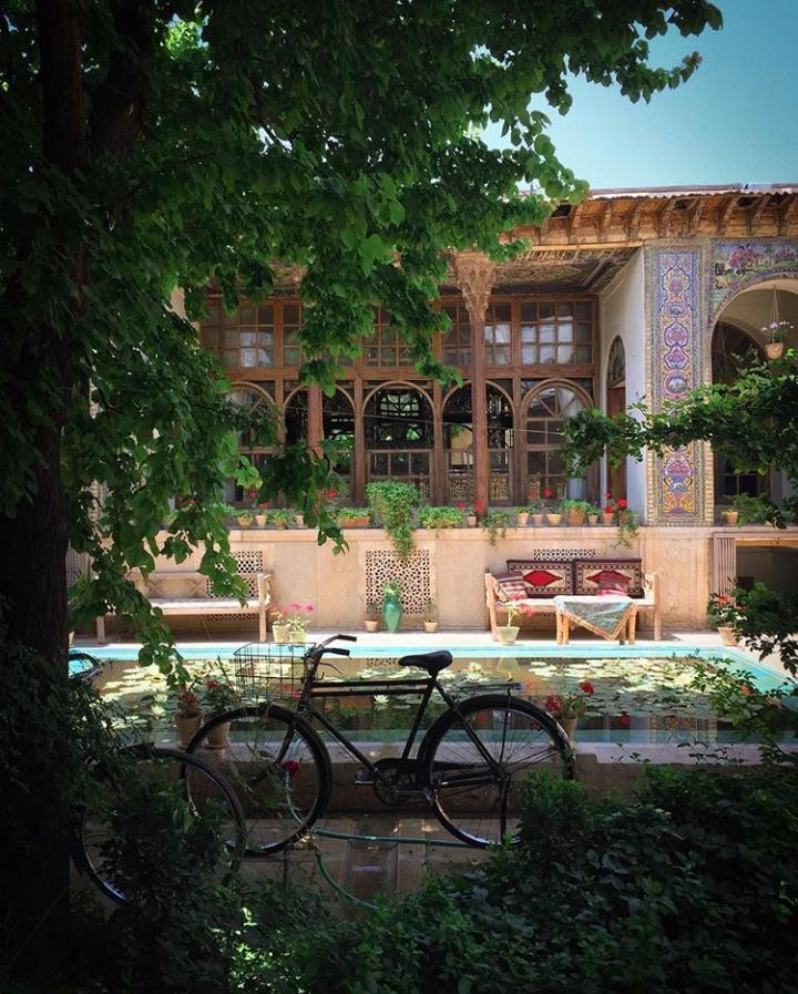 خانه منطقی نژاد - شیراز لوسی