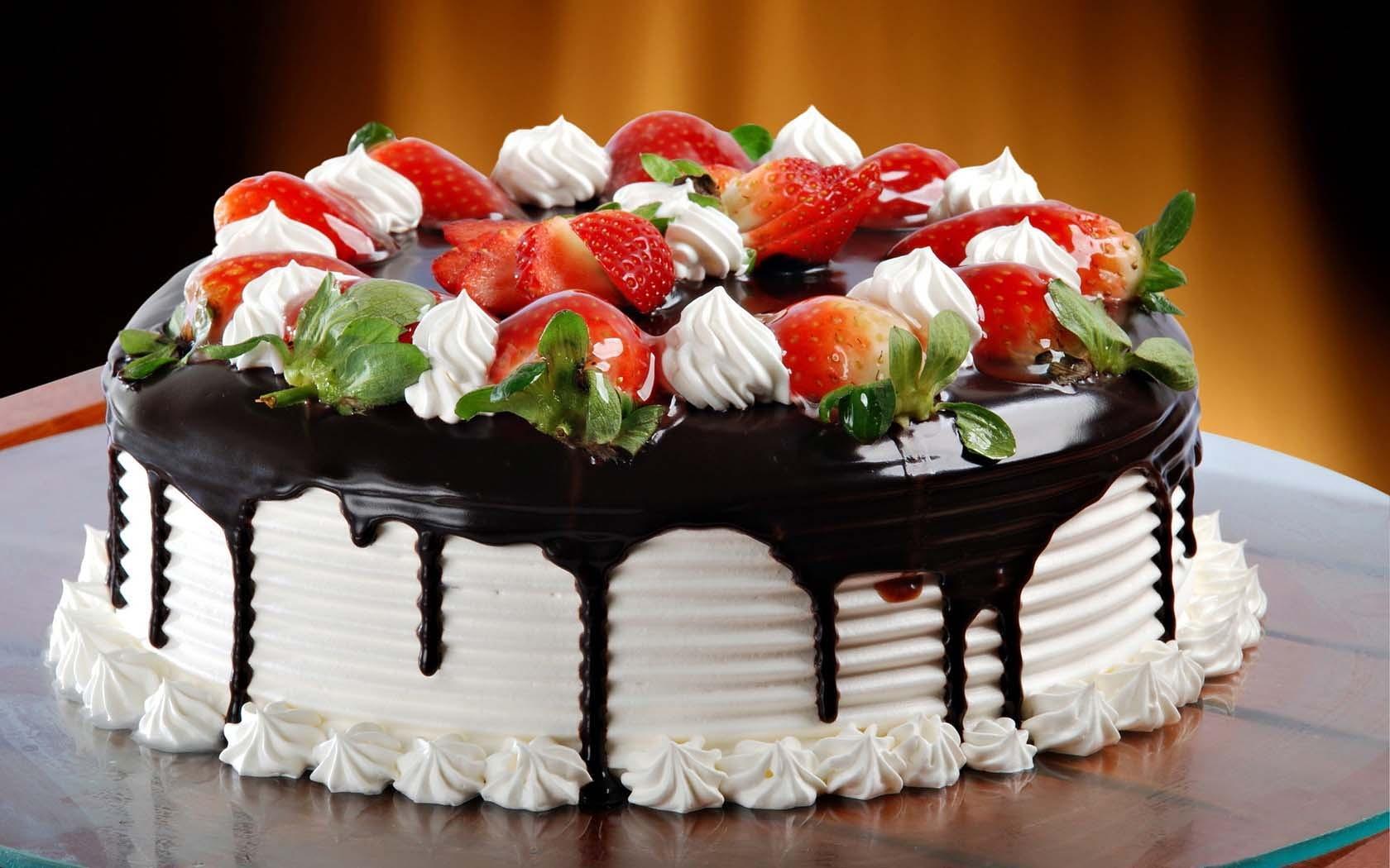 کیک تولد آیت