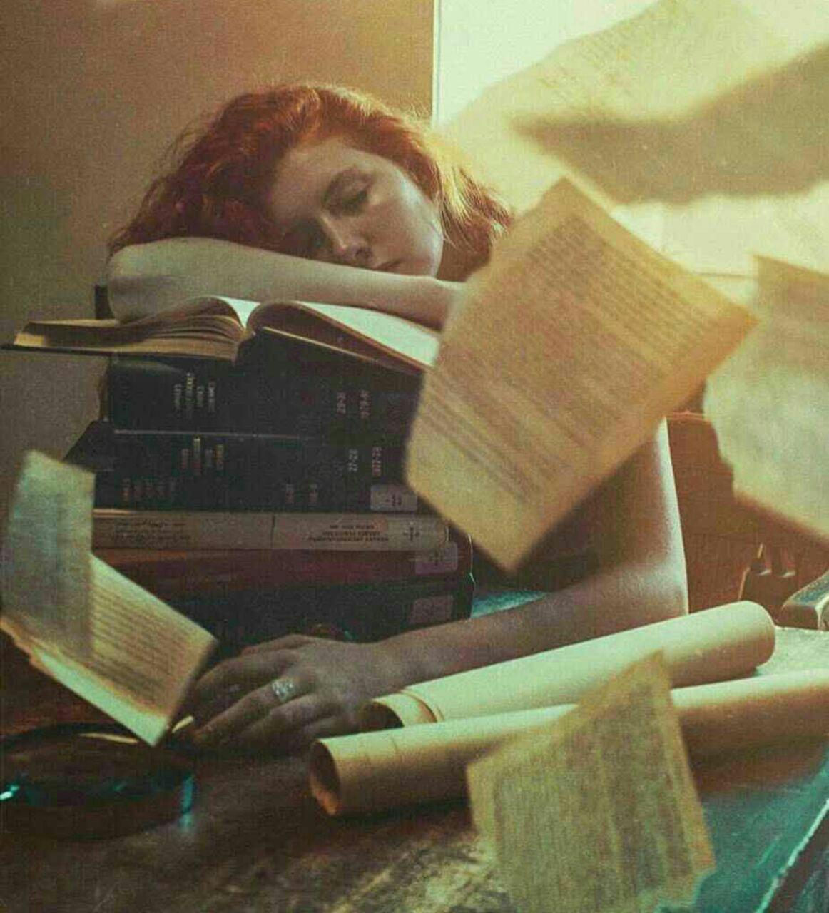 «شعر» گفتم که زِدل بر دارم بارِ سنگینِ غـمِ عشقش را  «شعر» خود جلوهای از رویش شد با که گویم «ستـمِ عشقش» را الناز33