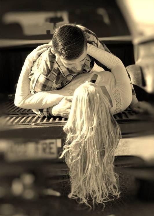 گفتم که لبت بوسه دهم گفت ببوسش  شیرین تر ازین قول که گفته که شنیده  شاه_نعمتالله_ولی آلشیا