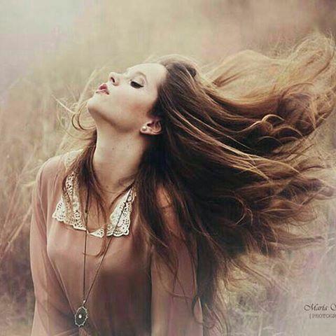پنجشنبه ها سر مزارم در باد خیرات کن موهای خرمایی ات را... یااسین